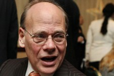 -                FILE - In this Jan. 13, 2010 file photo, Rep. Steve Cohen, D-Tenn., left, speaks in Washington. Sometimes, congressmen just want to have fun. Cohen says he wasn't flirting with singer C