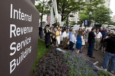 Escalation: Embattled IRS Official to 'Plead the Fifth' at Hearing Today