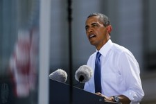 -                US President Barack Obama delivers a speech in front of Brandenburg Gate in Berlin Wednesday, June 19, 2013. Obama is on a two-day official visit to the German capital. (AP Photo/Markus