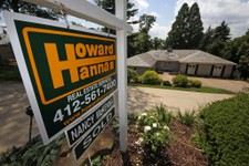 -                In this Tuesday, July 23, 2013, photo, a home is for sale in Mt. Lebanon, Pa. Freddie Mac reports on mortgage rates for this week on Thursday July 25, 2013. (AP Photo/Gene J. Puskar)