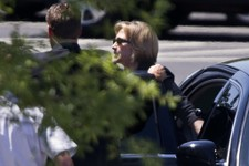 -                Former Secretary of State Hillary Rodham Clinton arrives at the White House in Washington, Monday, July 29, 2013, for lunch with President Barack Obama. It's the most talked about lunch
