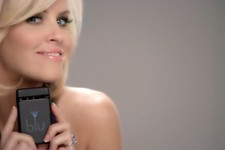 -                This undated image provided by Resound Marketing shows a screen grab of the new Blu Ecigs advertisement featuring Jenny McCarthy. Companies like NJOY and Blu Ecigs are advertising on TV
