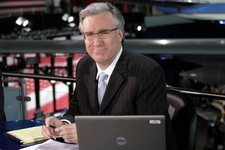 -                FILE - In this May 3, 2012 file photo, Keith Olbermann poses at the Ronald Reagan Library in Simi Valley, Calif.   Olbermann and Current TV say they've settled their dispute nearly a ye