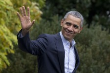 Obama Jets Off To Climate Change Summit in Fossil Fuel Powered Air Force One