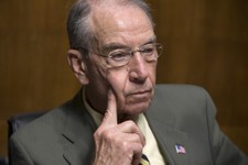 Grassley Calls on Trump to Reverse Obama's Executive Actions