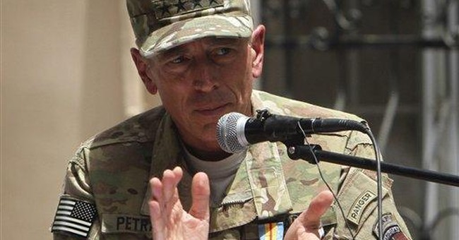 Headed for CIA, Petraeus leaves a revamped warzone