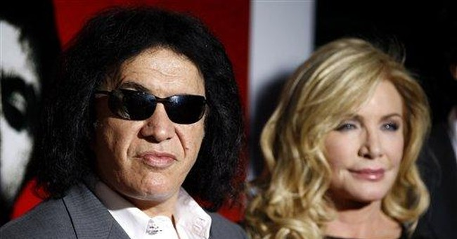 Gene Simmons and longtime girlfriend marry
