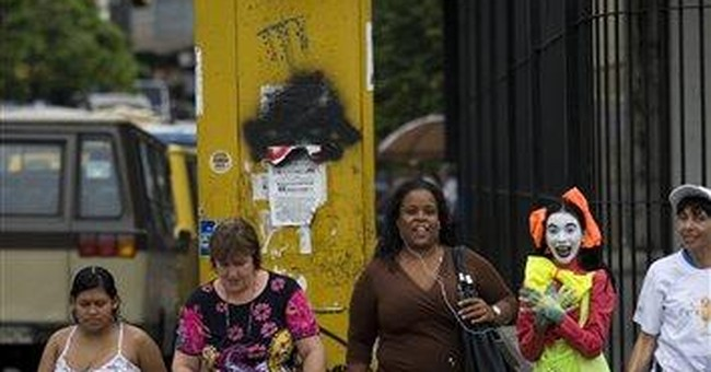 Shhh! Mimes tackle traffic chaos in Venezuela