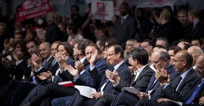 France's Hollande formally anointed by Socialists