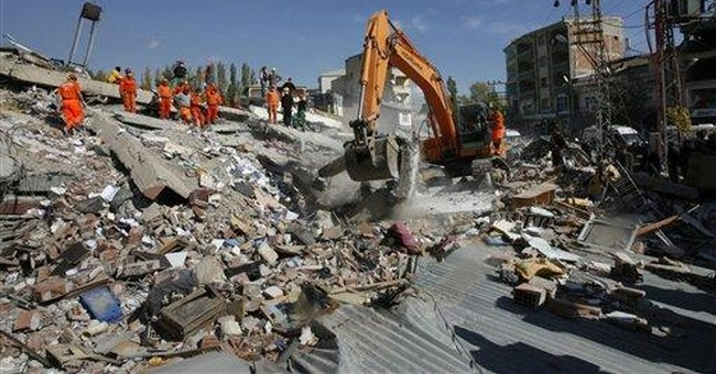 Turks weep as survivors, bodies pulled from rubble