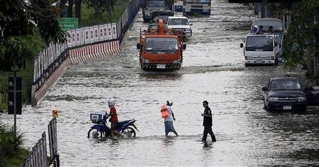 Trash, sewage boost disease risk in Bangkok floods