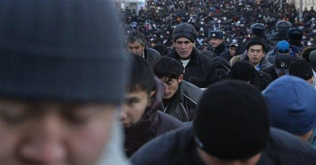 80,000 Muslims pray on the street in Moscow