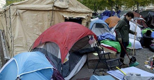 NYC protesters erect military tents for winter