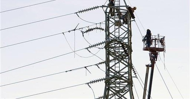 Thousands in Conn. enter 2nd week without power
