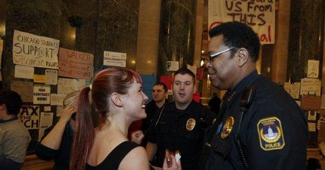 Police allow protesters to remain at Wis. Capitol