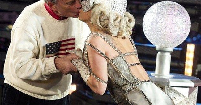 NYC mayor: Girlfriend's kiss better than Gaga's