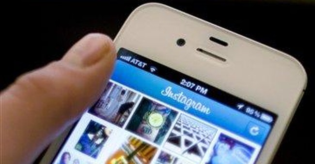 Facebook buying photo-share app Instagram for $1B