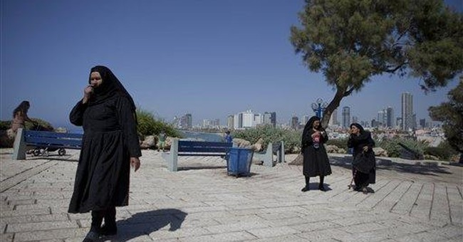 Defying ban, Egyptian Christians visit Jerusalem
