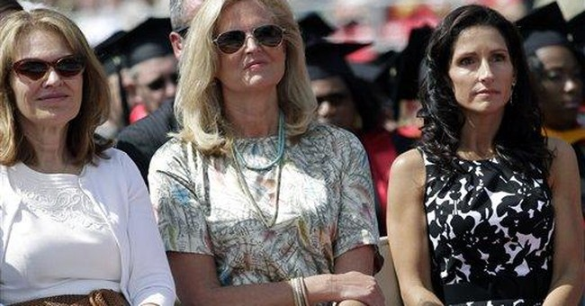 Romney urges grads to honor family commitments