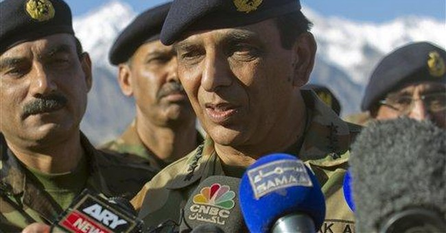 US commander holds talks with Pakistani army chief