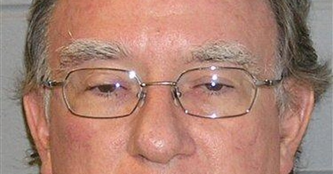 Doctor in Ohio pill mill case claims innocence