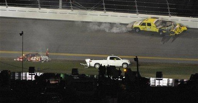 Matt Kenseth wins Daytona 500 after fire and rain