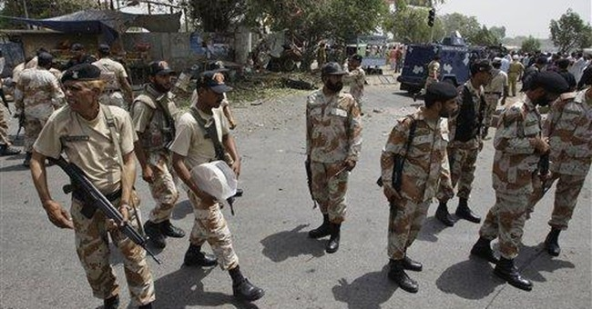 Pakistan: Suicide bomber targeting police kills 4