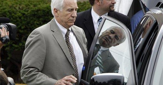 Sandusky arrives for 2nd day of sex abuse trial