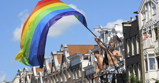 Amsterdam floods pink for Gay Pride festival