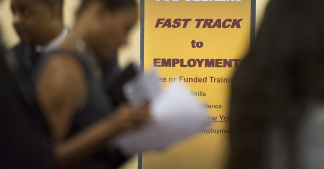 US unemployment aid applications drop to 350,000