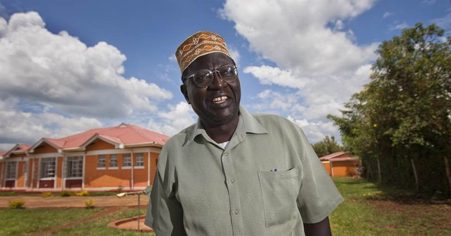 Obama's Half-Brother Is Ready To Make America Great Again