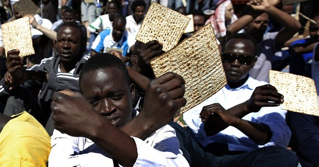 African migrants in Israel hold Passover meal