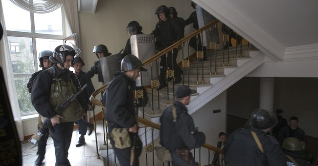 Protesters seize new building in eastern Ukraine