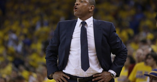 Clippers coach meets with angry employees