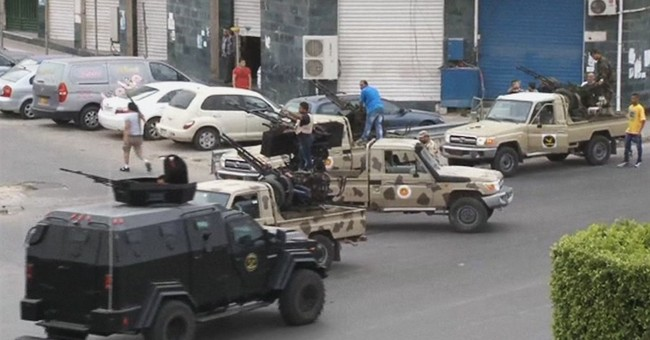General's revolt threatens to new fight in Libya