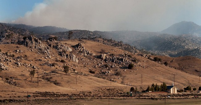 Crews race weather in Central California wildfire