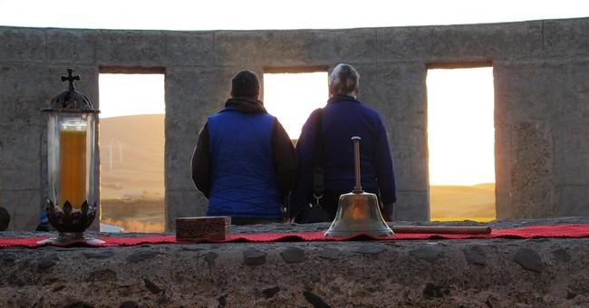 Pagans mark summer solstice at replica Stonehenge