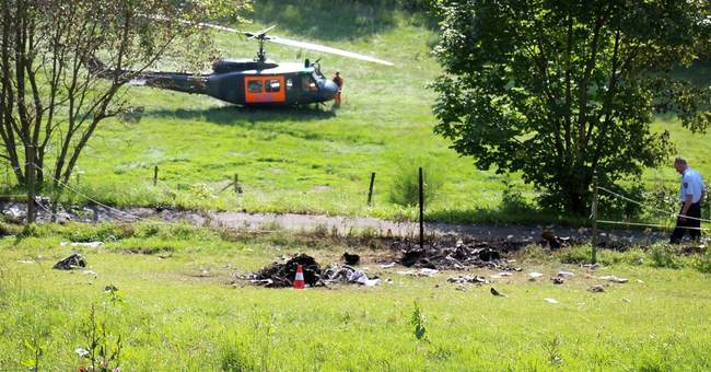 2 pilots presumed dead in German mid-air crash
