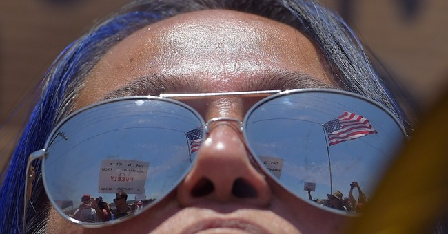 Dueling immigration rallies held in California