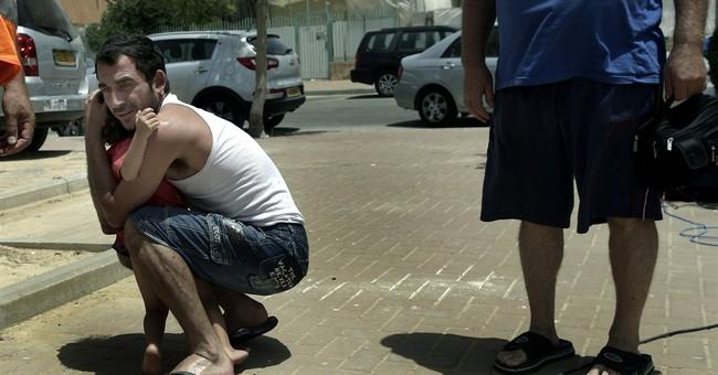 Thousands of Palestinians flee northern Gaza