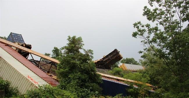 Officials: Train derails in Virginia; no injuries