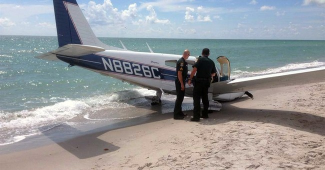 Small plane crash on Fla. beach: 1 dead, 1 injured