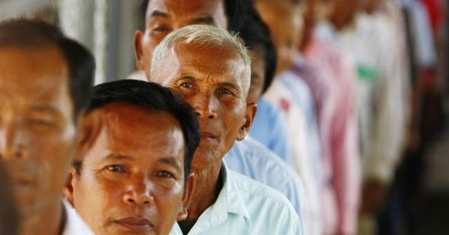 Khmer Rouge tribunal readies way for genocide case