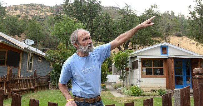 Crews make gains on 2 California wildfires