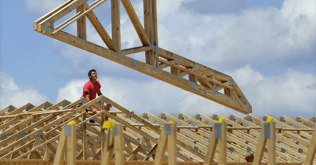 As US economy accelerates, Fed remains cautious