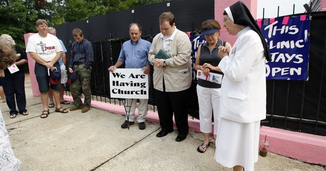US appeals court blocks Mississippi abortion law