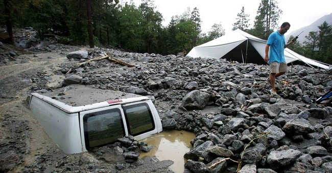 1 dead, thousands stranded in S. California storm