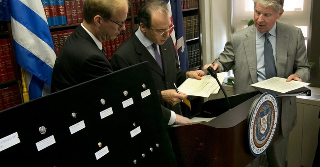 US officials return ancient coins to Greeks