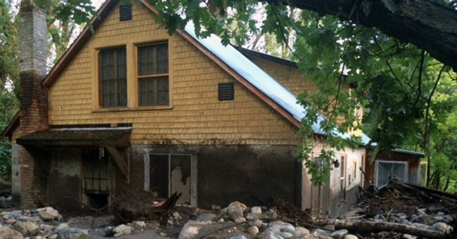 Wash. flash flooding damages estimated 10 homes