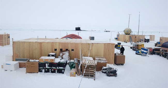 Navy breaks down ice camp north of Alaska